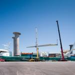 37. Livraison des pales et nacelles au port de Bécancour par bateau à propulsion éolien diesel